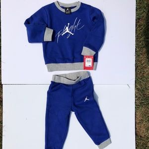 NWT 2 pc Nike Sweatsuit 24months